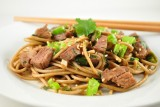 soba noodle and pork stirfy