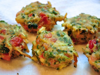 greek tomato and zucchini fritters w mint yogurt dipping sauce