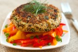 quinoa-cake-with-pepper-salad