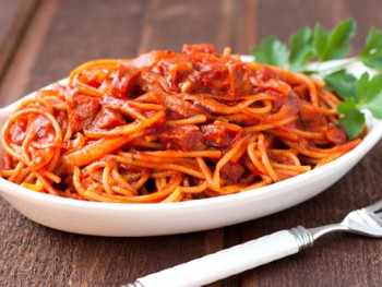spaghetti-amatriciana-with-dry-italian-sausage-1