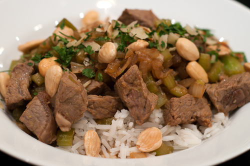 stir fry beef with celery and almonds 1