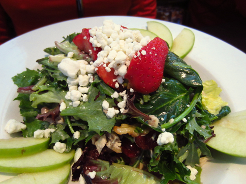 hodsons salad with apples and goat cheese