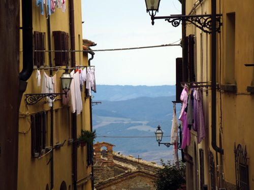 2 hill towns of tuscany volterra