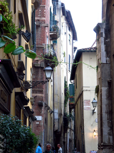 22 hill towns ot tuscany lucca