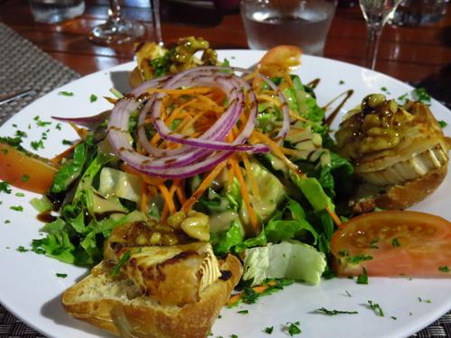 6 st martin chevre chaud salad