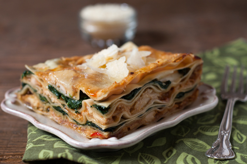 spinach and chicken lasagna with bechamel