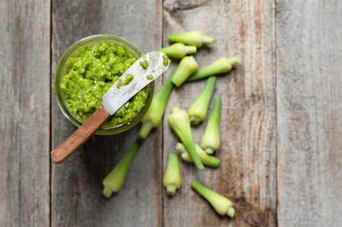garlic scape pesto-1