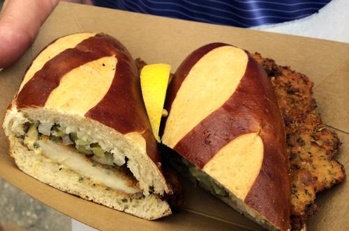 new york 19 smorgasburg chicken sandwich