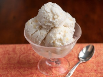 pineapple coconut ice cream 1-1