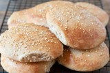 whole wheat hamburger buns-1