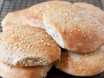 whole wheat hamburger buns-1