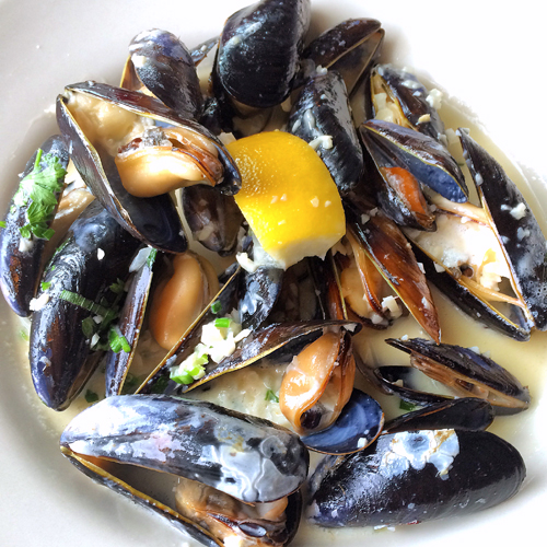 33 WA coupeville christophers on whidbey island penn cove mussels