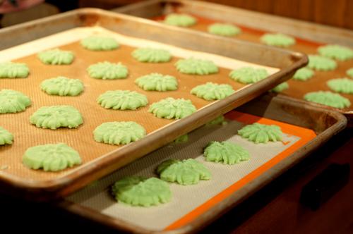spritz cookies 2-1