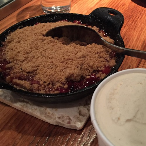 Sonoma-Glen-Ellen-Star-rhubarb-cobbler-ice-cream