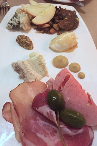 sonoma-the-girl-and-the-fig-charcuterie