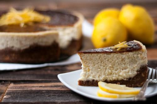 lemon-vanilla-cheesecake