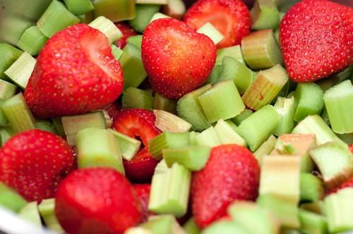 strawberries-and-rhubarb