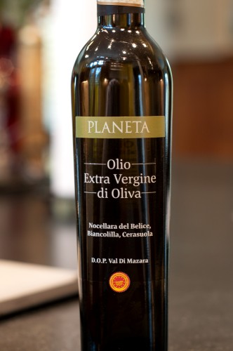 olive-oil-planeta