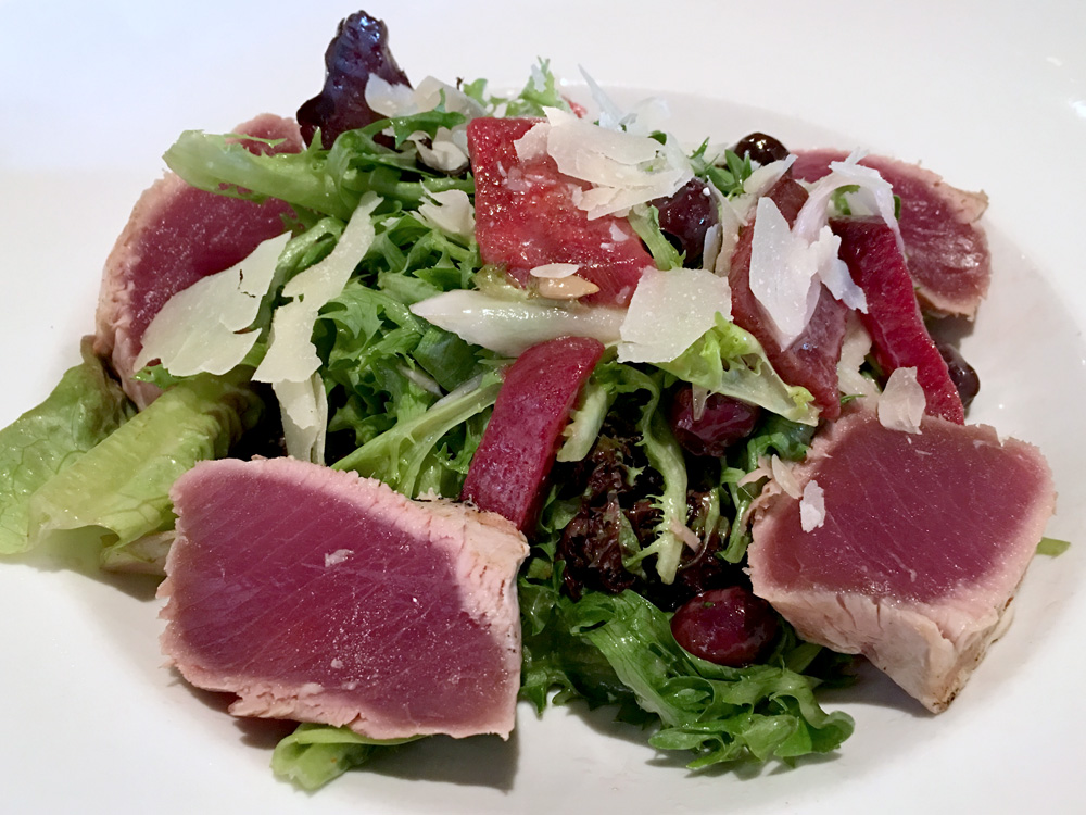 denver-humboldt-farm-fish-wine-ahi-tuna-salad