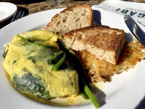 vegas-mon-ami-gabi-spinach-goat-cheese-omelette