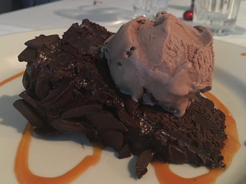 caribbean-bvi-virgin-gorda-fischers-cove-chocolate-cake