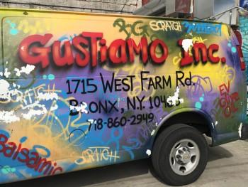 gustiamo-delivery-truck