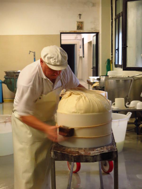 parmigiano-reggiano-18
