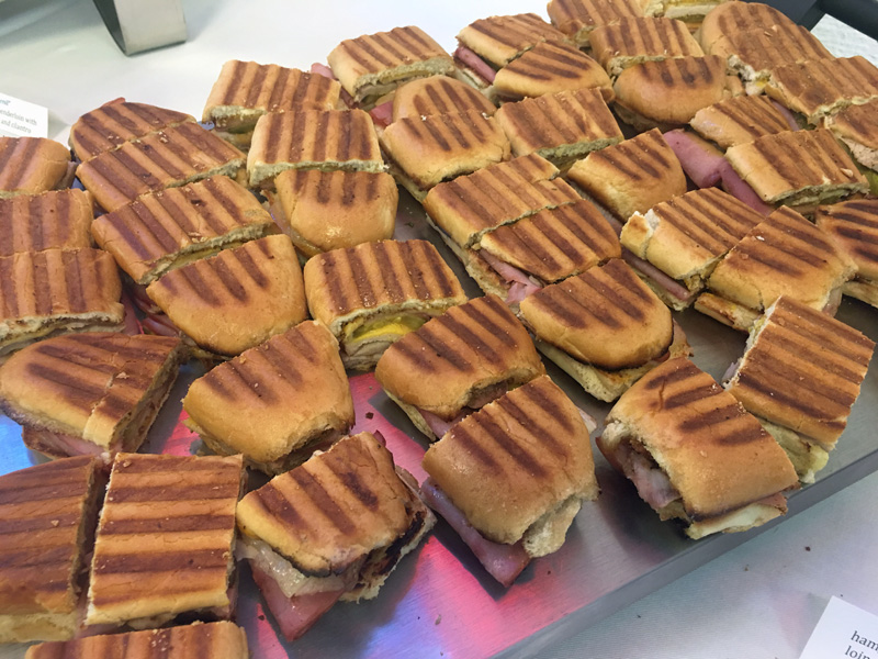cubano-sandwiches-sliced-to-serve