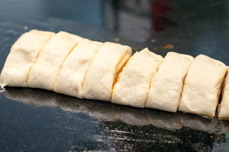 sourdough-sliced-for-rolls