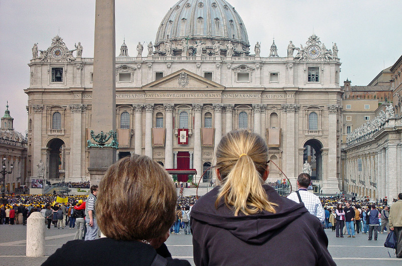 travel-with-friends-1-st-peters-rome