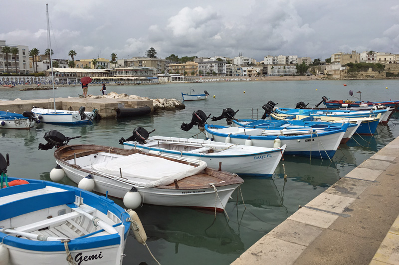 salento-puglia-italy-otranto-fishing-boats