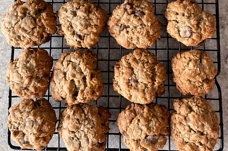 Oatmeal Cookies with Chocolate Chips and Coconut